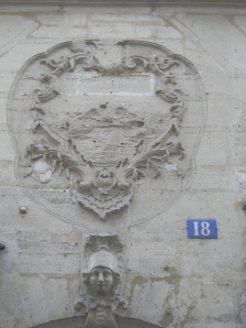 18th century bas-relief medalion, 18  Rue des Canettes