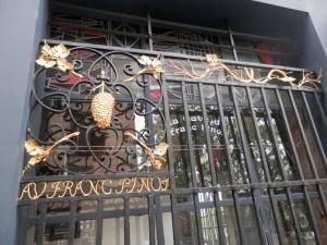 Iron gate, Au Franc Pinot, 1 Quai de Bourbon