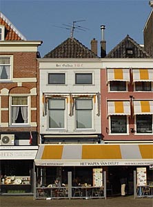 Het Gulden ABC (The Golden ABC), 32 Markt Square, Delft