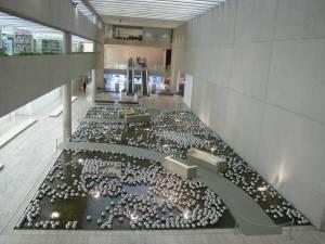 Yayoi Kusama Narcissus garden (and detail) 1966/2002