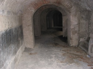 Amphitheatre tunnel