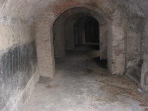 Amphitheatre tunnel