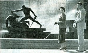 Pierre Sicard at Archibald Fountain, Hyde Park