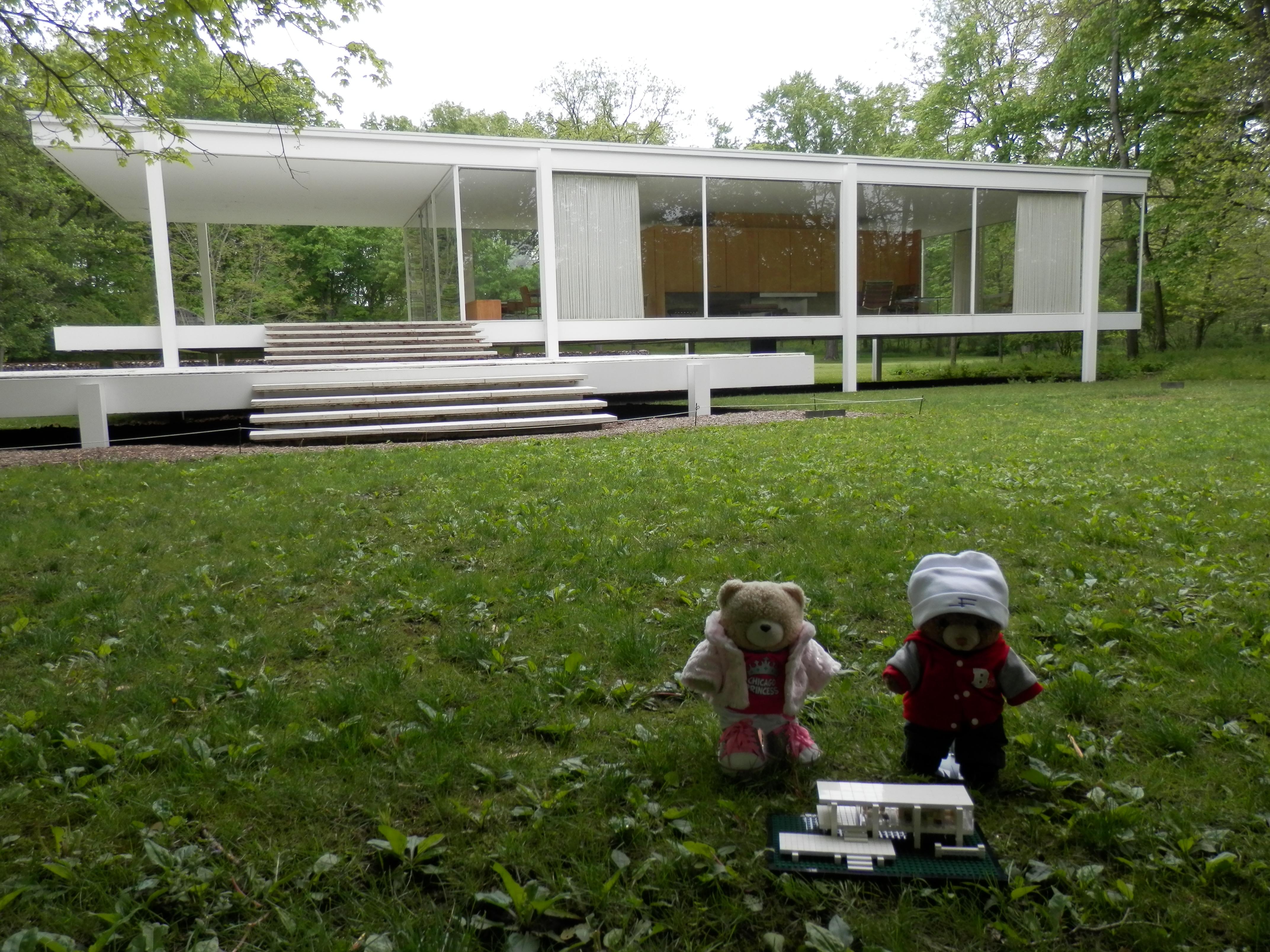 farnsworth house pufflesandhoneyadventures