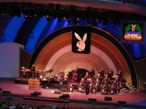 Seth MacFarlane with conductor Joel McNeely
