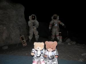 Starship Gallery - On the Moon!