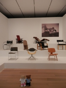 Mini-Exhibition - Design Episodes: The Modern Chair (Gallery 285)