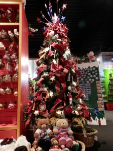 Christmas in New York Store, 530 5th Ave