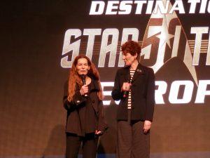 Alice Krige (Borg Queen) and Kitty Swink (Minister Rozahn / Luaran in Star Trek DS9)