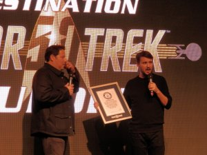 Wil Wheaton (Wesley Crusher, Star Trek TNG) with the Guinness World Record for Star Trek longest-running space video-game franchise