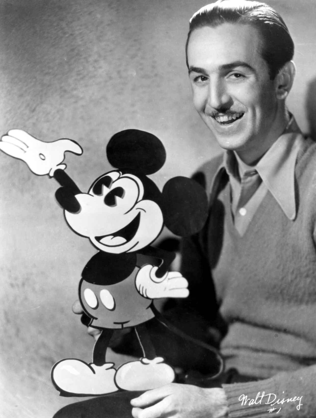 the life and achievements of walt disney The$walt$disney$family$museumwelcomes$ $ $ $$$$$visitors$in$the$presidio$ofsan$francisco$ $$$ visionary)artist,)storyteller&)entrepreneur) enriched)world)ofimagination)forgenerations)).
