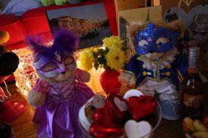 It's A Venetian Carnevale!
