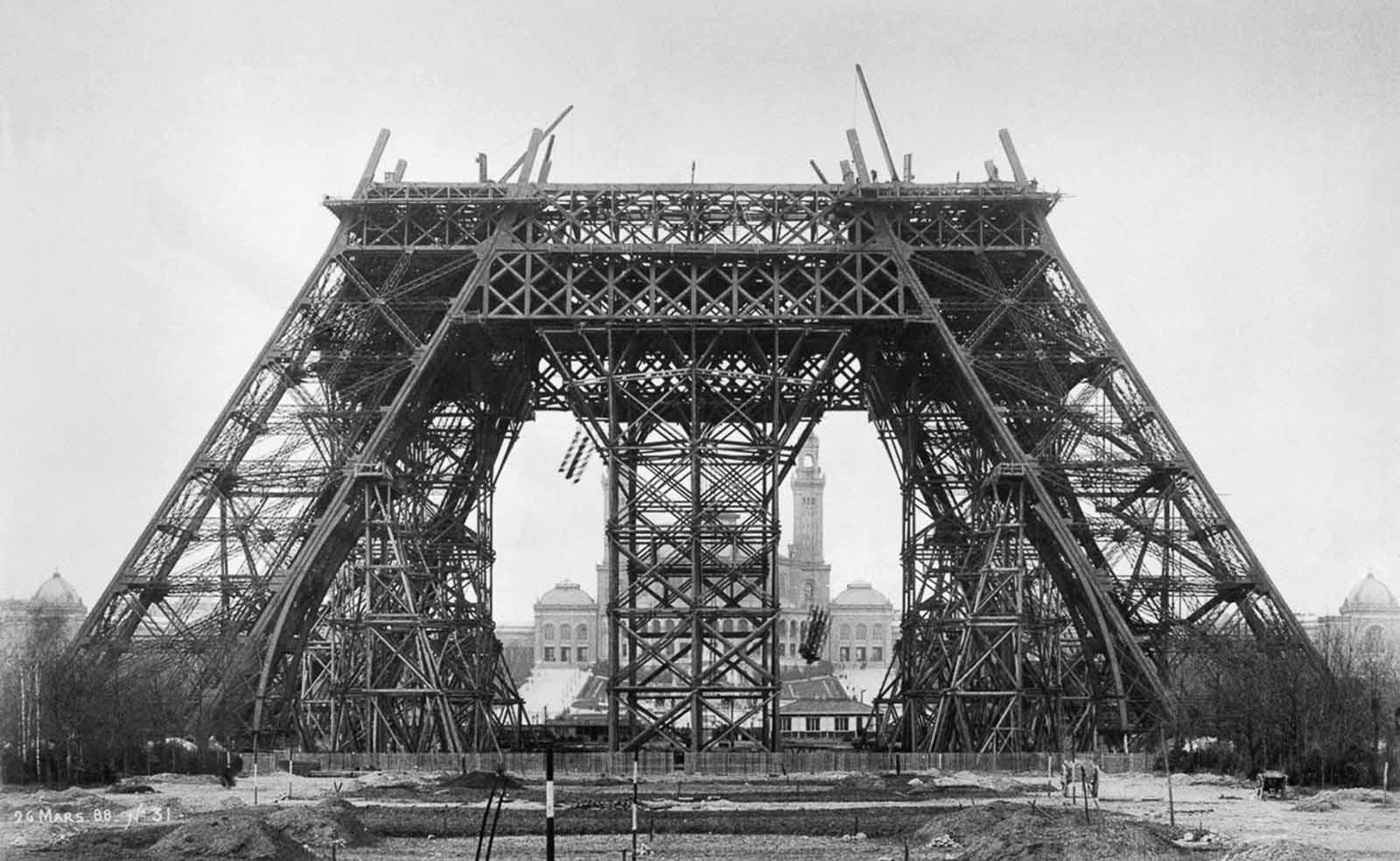 The Eiffel Tower Story Pufflesandhoneyadventures